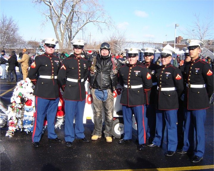 Toys For Tots Chicago : Toys for tots motorcycle parade in chicago pictures